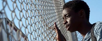 """Miniserie """"Eden"""": Thema Flucht als Panorama individueller Schicksale – Review – Internationales Ensemble wird leider """"eingedeutscht"""" – Bild: SWR/Pierre Marsaut"""