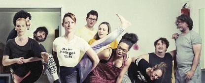"""""""Andere Eltern"""": TNT Comedy setzt Eigenproduktion fort – Chaotische Kindergartengründung schlägt nächstes Kapitel auf – Bild: Philipp Pfeiffer / eitelsonnenschein"""