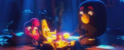 """""""Angry Birds"""" kommen als neue Animationsserie zu Netflix – Red, Bomb und Chuck im Sommercamp – Bild: Netflix/Rovio"""