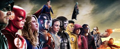 """Crisis on Infinite Earths"": Gruppenfoto zeigt neue Details – Brandon Routh spielt Superman aus ""Kingdom Come""-Geschichten – Bild: The CW"