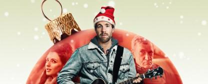 """""""ÜberWeihnachten"""" mit Luke Mockridge: Gut porträtierter Familien-Festtagswahnsinn – Review – Stimmungsvolles deutsches Netflix-Original überzeugt nicht nur Mockridge-Fans – Bild: Netflix"""