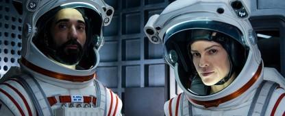 """""""Away"""": Netflix schickt Hilary Swank auf ungewisse Mars-Reise – Review – Sci-Fi-Drama mit Oscar-Preisträgerin zwischen Weltraum-Thrill und Klischee – Bild: Netflix"""