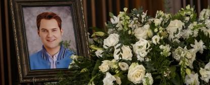 """""""Tote Mädchen lügen nicht"""": Netflix veröffentlicht Trailer für Staffel drei – Mord an Bryce Walker sorgt für Erschütterungen – Bild: David Moir/Netflix"""