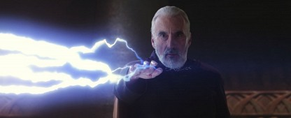 """Christopher Lee ist im Alter von 93 Jahren gestorben – Schauspiellegende wirkte auch bei """"Robin Hood"""" und """"Tomorrow People"""" mit – Bild: Lucasfilm"""