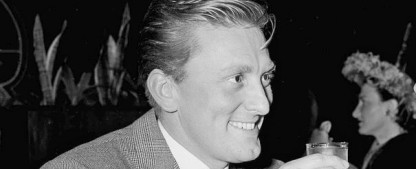 Hollywood-Legende Kirk Douglas stirbt im Alter von 103 Jahren – Großer Schauspieler hat die Bühne für immer verlassen – Bild: Urheberrecht erloschen nach §72 Abs 3 UrhG