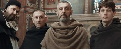 """""""Der Name der Rose"""": Free-TV-Premiere bei ServusTV – Serienadaption als Oster-Event – Bild: RAI"""