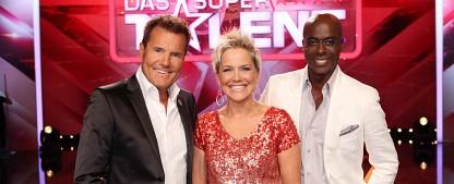 """Quoten: """"Supertalent"""" übertrumpft """"TV Total""""-Rückblick – Stinkstiefeliger Schwiegervater macht ARD zu Sieger beim Gesamtpublikum – Bild: RTL/Frank Hempel"""