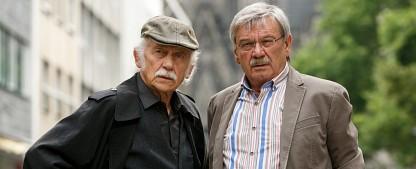 """Neue Fälle für die """"Rentnercops"""": Prückner und Winkler ermitteln wieder – Dritte Staffel des ARD-Vorabendkrimis ab September – Bild: ARD/Kai Schulz"""