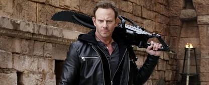 """Ian Ziering wird für """"Swamp Thing"""" zum Blue Devil – """"Sharknado""""- und """"Beverly Hills, 90210""""-Darsteller mit neuer Serienrolle – Bild: Syfy"""