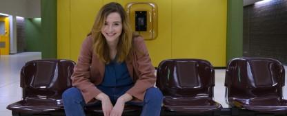"""""""Stromberg""""-Autor macht neue Comedyserie mit Katrin Bauerfeind – """"Frau Jordan stellt gleich"""" wird zweite 7TV-Serie – Bild: Joyn / Christiane Pausch"""