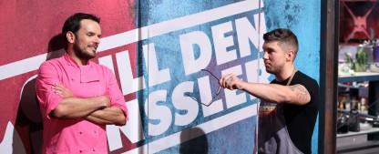 """Quoten: """"Grill den Henssler""""-Comeback floppt völlig, """"Sommerhaus"""" mit Staffeltief – """"Tagesschau"""" schlägt """"Tatort"""", durchwachsene Rückkehr für """"Ella Schön"""" – Bild: TVNOW/Frank W. Hempel"""