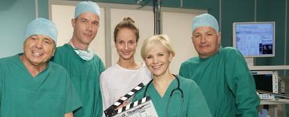 """""""In aller Freundschaft"""": Wiedersehen mit Dr. Kreutzer – Dreharbeiten zu Staffel 17 haben begonnen – Bild: MDR/Saxonia/Wernicke"""