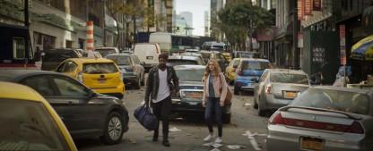 """""""The Stand"""": Miniserie nach Stephen Kings Romanepos bremst sich selbst aus – Review – Mix aus Pandemie-Thriller und Dark Fantasy wirkt in den ersten Episoden holprig – Bild: CBS"""