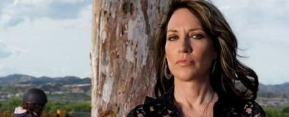 """""""Rebel"""": Katey Sagal wird für ABC zu """"Erin Brockovich"""" – Andy Garcia in Serienadaption dabei – Bild: FX Productions"""