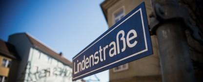 """""""Lindenstraße"""": Kulissen und Requisiten landen im Museum – Eröffnung in Deutscher Kinemathek noch in dieser Woche – Bild: WDR/Steven Mahner"""