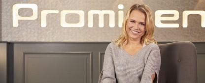 """Prominent!"": Nova Meierhenrich verstärkt VOX-Magazin – Boulevardnews ab sofort mit Moderatorentrio – Bild: MG RTL D / Marie Schmidt"