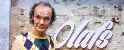 """""""Olafs Klub"""": Zweite Staffel von Olaf Schuberts Comedyshow startet noch im Juli – """"Lachen bis die Milchstraße sauer wird"""" im MDR – Bild: MDR/Enrico Meyer"""