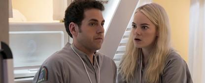 """""""Maniac"""": Hochwertige Zutaten verklumpen zu schwerverdaulichem Serien-Eintopf – Review – Starduo Emma Stone und Jonah Hil kann Netflix-Serie nicht retten – Bild: Michele K. Short / Netflix"""
