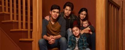 """""""Party of Five"""": Reboot startet nach dem Jahreswechsel – Längerer Clip bietet ersten Blick auf die Familie Acosta – Bild: Freeform"""