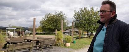 """[UPDATE] Dr. Dreesen kümmert sich wieder um Vierbeiner – """"Praxis Dr. Dreesen"""" und """"Der Tierarzt von Yorkshire"""" bei Sat.1 Gold – Bild: BluePrint Media GmbH 2017"""