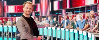 """Take Me Out"": Zwei Gay-Specials Anfang 2021 – Ralf Schmitz verkuppelt für RTL ""Boys Boys Boys"" – Bild: TVNOW/Frank Dicks"