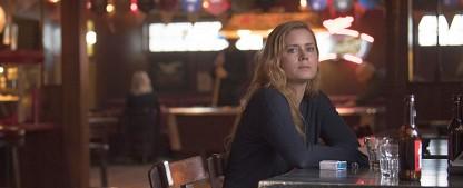 """Sharp Objects"": Amy Adams brilliert in düster-schwermütiger Bestselleradaption – Review – HBOs Southern-Gothic-Miniserie schlägt enorm langsames Tempo an – Bild: HBO"
