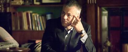 "Rupert Graves (""Sherlock"") schließt sich ""Riviera"" an – Dritte Staffel der Sky-Soap dehnt ihren Handlungs-Horizont aus – Bild: BBC"