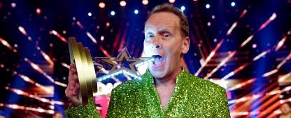 """Allesschlucker Stevie Starr ist """"Das Supertalent 2018"""" – 56-jähriger Schotte würgt sich zum Sieg vor Berliner Gesangsgruppe – Bild: MG RTL D/Gregorowius"""
