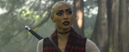 """""""You – Du wirst mich lieben"""": Tati Gabrielle (""""The 100"""") neue Hauptdarstellerin in Staffel drei – Netflix-Serie mit einem Dutzend neuer Darsteller – Bild: Diyah Pera/Netflix"""