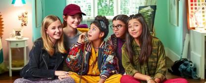 """""""Der Babysitters-Club"""": Netflix findet Starttermin für neue Jugendbuch-Adaption – Mit Alicia Silverstone (""""Clueless"""") und Mark Feuerstein (""""Royal Pains"""") – Bild: Netflix"""