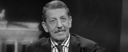 """""""Frontal""""-Moderator und Journalist Ulrich Kienzle ist gestorben – Nahost-Experte wurde 83 Jahre alt – Bild: ZDF/Svea Pietschmann"""