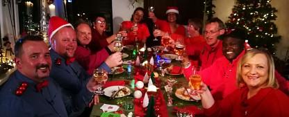 """Vorzeitiges Aus für Sat.1-Weihnachtsdoku, """"Genial daneben – Das Quiz"""" kehrt zurück – """"Unser allerschönstes Weihnachten"""" fliegt aus dem Programm – Bild: Sat.1"""