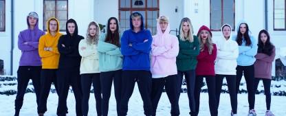 """""""Villa der Liebe"""": Zweite Staffel des TVNOW-Parodieformats – Comedyserie mit YouTube-Stars Jonas Ems und Jonas Wuttke – Bild: Odeon Entertainment & Fiction/moonvibe GmbH"""