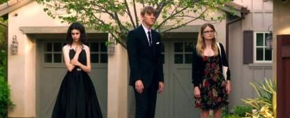 """""""Everything's Gonna Be Okay"""": Eine ganz besonders moderne Familie – Review – """"Please Like Me""""-Star Josh Thomas schöpft urkomische Zuversicht aus Tragödie und ist dabei schön unverblümt – Bild: Freeform"""