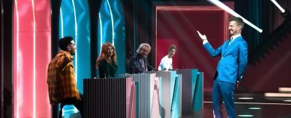 """""""Wer stiehlt mir die Show?"""": Quiz-Evolution im Retro-Look mit XXL-Showtreppe – Review – Lohnt sich Jokos neuester Streich auf ProSieben? – Bild: ProSieben/Claudius Pflug"""