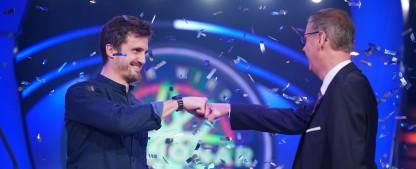 """Quoten: """"WWM""""-Millionen-Gewinner beschert RTL haushohen Zielgruppensieg – """"Die Simpsons"""" kehren durchwachsen zurück, guter Start für """"Mirage – Gefährliche Lügen"""" – Bild: TVNOW/Stefan Gregorowius"""