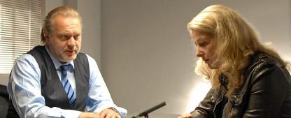 """""""Der Alte"""": Acht neue Folgen ab September – Christina Rainer verstärkt Ermittlerteam als Pathologin – Bild: ZDF/Michael Marhoffer"""