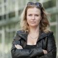 """""""Die Chefin"""": Neue Serie mit Katharina Böhm ab Februar – Im ZDF-Freitagskrimi ermittelt erstmals eine Frau – Bild: ZDF / Martin Valentin Menke"""