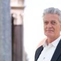 """VOX zeigt BBC-Reihe """"Die Geschichte der Menschheit"""" – Dieter Moor präsentiert aufwendige Dokumentation – Bild: VOX/Jörg Carstensen"""