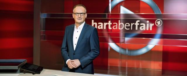 """Wegen Krankheit: Frank Plasberg muss bei """"Hart aber fair"""" aussetzen – Susan Link springt als Vertretung ein – Bild: WDR/Stephan Pick"""