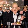 Hella von Sinnen mit dem Comedy-Ehrenpreis – Bild: RTL / Willi Weber