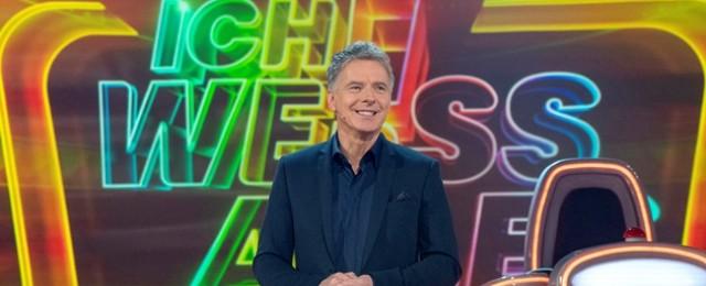 """""""Ich weiß alles!"""": Pilawas großes Samstagabendquiz kehrt zurück – Mälzer, Yanar, Wussow und Helmer als Experten – Bild: NDR/Max Kohr"""