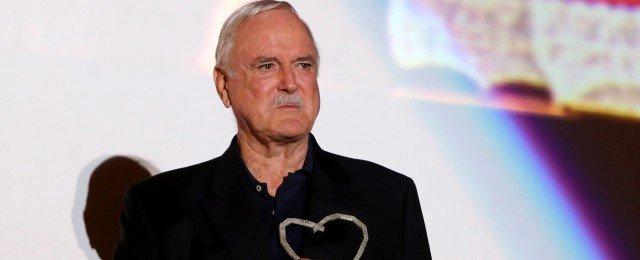John Cleese erhält den Preis Lebenswerk International beim Deutschen Comedypreis 2019 – Bild: TVNOW / vallter / Shutterstock.com
