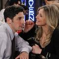 """Sixx nimmt CBS-Comedy """"Mad Love"""" ins Programm – Sarah Chalke und Jason Biggs als verliebtes Paar – © CBS"""