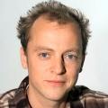 """""""Lindenstraßen""""-Darsteller Philipp Brammer tödlich verunglückt – Schauspieler stürzt auf Bergtour in den Tod – Bild: WDR/Mara Lukaschek"""