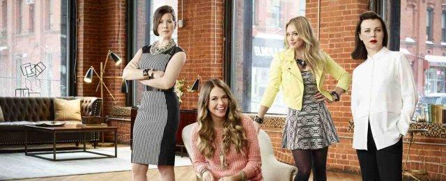 """Der """"Younger""""-Cast: (V.l.) Miriam Shor, Sutton Foster, Hilary Duff und Debi Mazar – Bild: TV Land"""