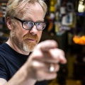"Adam Savage kehrt ins ""MythBusters""-Franchise zurück – In ""MythBusters Jr."" sollen sechs Kinder unter seiner Leitung experimentieren – © Discovery Channel"