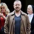 """Ricky Gervais im Trailer zu seiner neuen Netflix-Serie """"After Life"""" – Schwarzhumorige Comedy um jungen Witwer – Bild: Netflix"""
