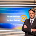 """Quoten: """"Aktenzeichen XY""""-Spezial muss sich ARD-Film beugen, """"Promibacken"""" legt zu – """"Das Ding des Jahres"""" bleibt einstellig, """"Der Bachelor"""" verliert leicht – Bild: ZDF/Nadine Rupp"""