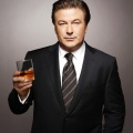 """Alec Baldwin schließt sich Hulus 9/11-Drama an – Darsteller wird in """"The Looming Tower"""" zum CIA-Verantwortlichen – Bild: NBC"""